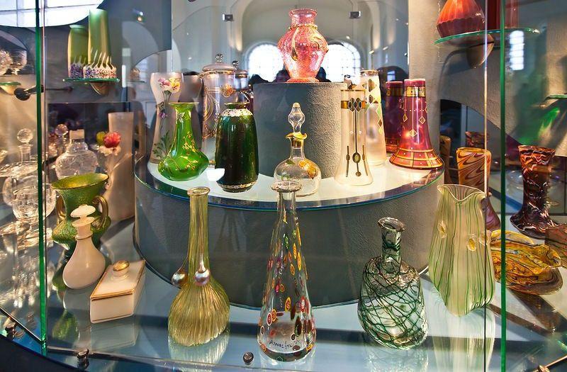 Хрусталь лаковая миниатюра вышивка музей